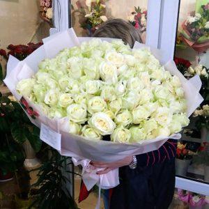 101 біла троянда на день народження у Трускавці фото