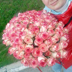букет 101 рожева троянда Джумілія