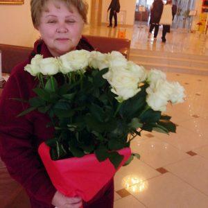 21 біла роза у Трускавці