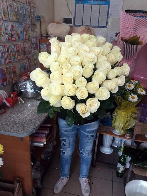 большой букет белых роз фото